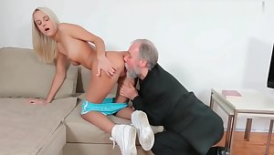 720p - Perverted Older Man Getting a Taste of Teen Schoolgirl Pussy