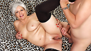 Grey Haired Granny Kelly Leigh Fucks Like Shes in Will not hear of Twenties