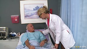 Blonde doctor Phoenix Marie drops the brush uniform to trip a patient