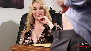 XXX blonde hotshot Penny Lee watches their way assistant masturbating